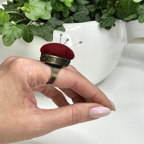 Кольцо-игольница CLOVER
